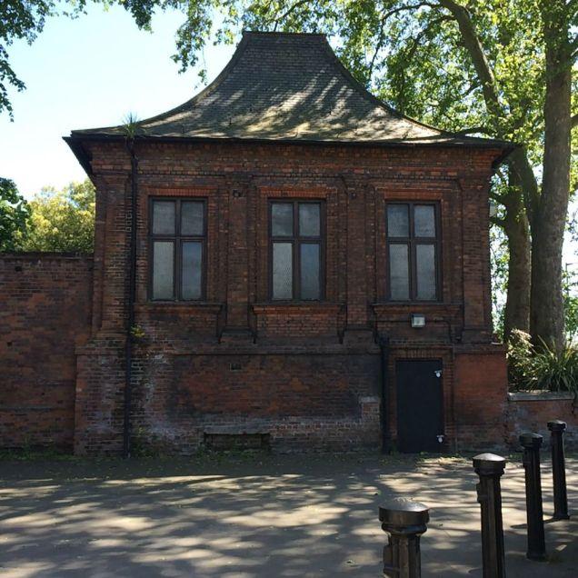 Charlton summer house