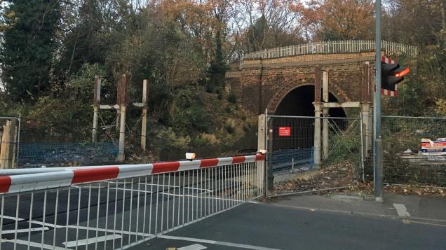Charlton Lane level crossing