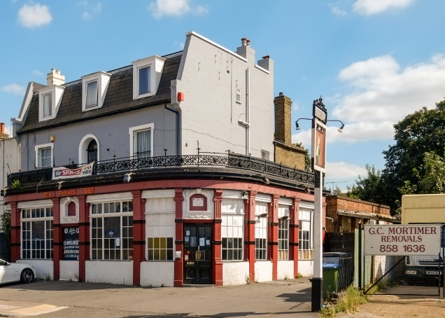 Pickwick pub on Woolwich Road